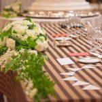 女性の結婚式お呼ばれ時の服装マナー違反とは?小物のNG例や注意点をご紹介