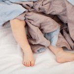 2歳の子供の寝かしつけ方法イヤイヤ期にも!寝ない時の対策は?